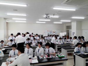 鹿児島純心女子高校で奨学金講演&進学相談会が開かれました